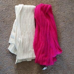 2 old navy scarfs
